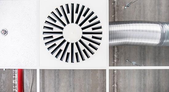 Instalare și întreținere a sistemelor și instalațiilor de ventilare pentru evacuarea fumului și a gazelor fierbinți